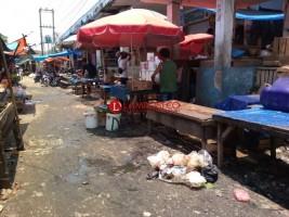 Pedagang Pasar Tugu Minta Perbaikan Jalan Lingkungan Pasar