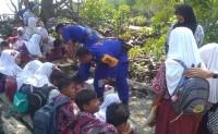 Peduli Pendidikan, Satpolair Berikan Bantuan Peralatan Tulis di Sekolah Pulau Rimau
