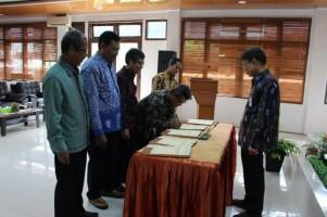 Pegawai Kanwil DJPb Lampung Teken Kontrak Kinerja