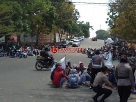Pelajar SMK di Kalianda Demo Tolak RUU KPK