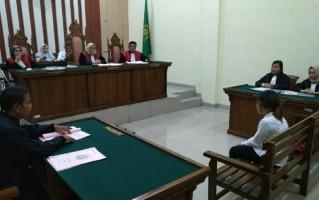 Pelaku Perdagangan Manusia Menangis Dipersidangan saat Dituntut 7 Tahun Penjara
