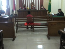 Pelaku Rudapaksa Anak Tetangga Diadili di Persidangan