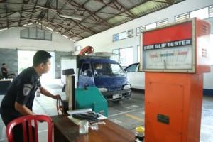 Pelayanan KIR Kendaraan Bermotor di Liwa Dihentikan