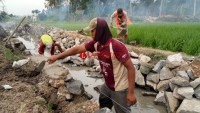 PembangunanIrigasi Way Pisang diduga Asal Jadi