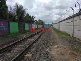 Pembangunan Pagar Beton Perlintasan KAI Mangkrak