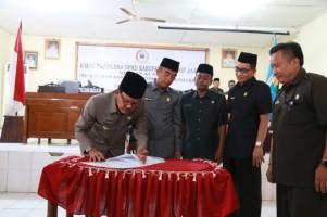 Pemkab dan DPRD Pesibar Tanda Tangani KUA-PPAS APBD Perubahan Tahun 2018
