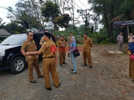 Pemkab Lampura Tinjau Tapal Batas Lampung Barat
