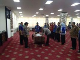Pemkab Lamtim Mendapatkan Dua Purnapraja IPDN