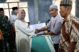 Pemkab Pesisir Barat Gelar Safari Ramadan di Way Redak