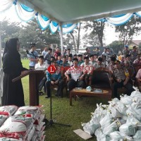 Pemkab Tulangbawang Berikan Subsidi Paket Sembako di Pasar Murah untuk Warga