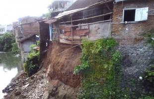 Pemkab Way Kanan Imbau Warga Tak Bangun Rumah di Bantaran Sungai