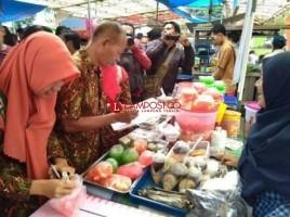Pemkot Persilakan Pedagang Musiman Jualan di Pinggir Jalan