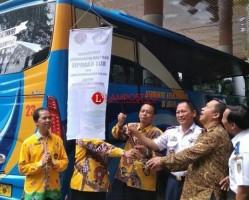 Pemprov Lampung Hibahkan Dua Bus Kemenhub Kepada Unila
