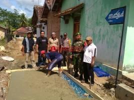 Pencairan DD Tahap Pertama, Warga Desa Kemalo Abung Bangun Jalan Lingkungan