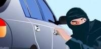Pencuri Mobil Terpantau CCTV