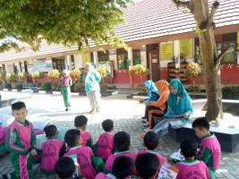 Penerbit Buku Erlangga Helat Reading Day