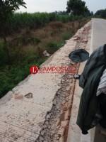 Pengendara Keluhkan Kerusakan Bahu Jalan di Sepanjang Bekri-Bangunrejo