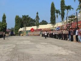 Penghormatan untuk Habibie, Polres Tanggamus Kibarkan Bendera Setengah Tiang