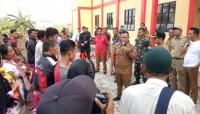 Pengungsi Asal Pulausebesi Tiba di Wisma Atlet Kalianda