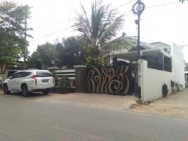Penyidik KPK Geledah Rumah Bupati Lampura