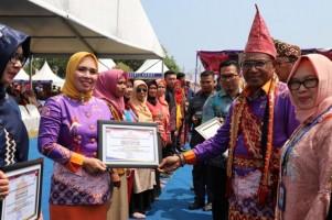 Peringatan HKN, Parosil Ajak Masyarakat LambarImplementasikan 8 Fungsi Keluarga