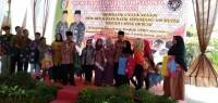 Peringati Hari Batik, Pemkab Pringsewu Gelar Aksi Mewarnai Kain Sepanjang 100 Meter