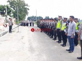 Personel Gabungan Jaga Ketat Rapat Pleno KPU Lamtim