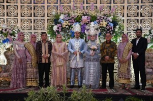Pesta Hari Kedua Pernikahan Nunik Digelar di Balai Krakatau