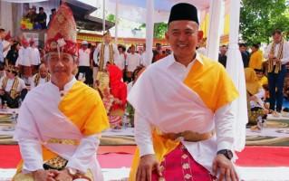 Petinggi Pringsewu Dapat Gelar Penyimbang Adat Lampung