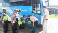 Petugas Gabungan Periksa Angkutan Lebaran dan Pengemudi di Gadingrejo