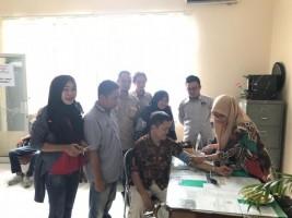Petugas Puskesmas Cek Kesehatan Penyelenggara Pemilu