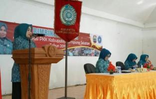 PKK Lamsel Gelar BimtekAdministrasi bagi Kader PKK