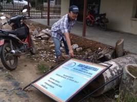 Plang BUMDes Desa Mandah Dirusak, Kades Pertanyakan Laporan ke Aparat
