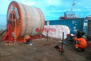PLN Bangun Kabel Bawah Laut Sepanjang 2,7 Km untuk Pulau Pisang