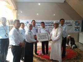 PLN Serahkan Bantuan Kepada Pondok Pesantren Riyadhus Sholihin