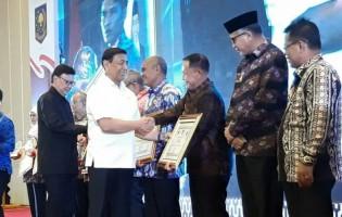 Plt Bupati Lampung Selatan Terima PenghargaanPenanganan Konflik Sosial