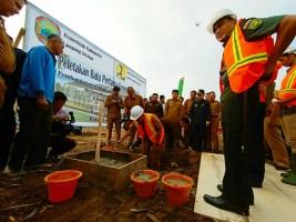 Plt Bupati Lamsel Letakan Batu Pertama Pembangunan Rusunawa