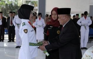 Plt Bupati Lamsel Nanang Ermanto Kukuhkan Anggota Paskibraka