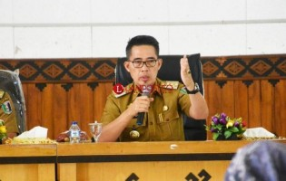 Plt Bupati Lamtim: Bawahan Jangan Mengatur Kepala OPD