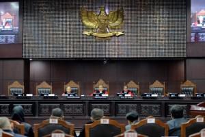 Polemik Revisi UU KPK Diselesaikan di MK