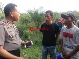 Polisi Lakukan Identifikasi Mayat Yang Ditemukan Warga Dalam Karung