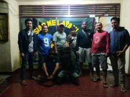 Polisi Tangkap Dua Pembawa Tembakau Gorilla