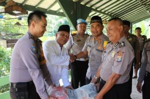 Polres Lambar Bantu PEmbangunan Ponpes Miftahurrohmah