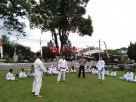 Polres Lambar Gelar Bina Karate