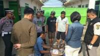 Polres Lampung Utara LakukanTes Urine Para Sopir Bus