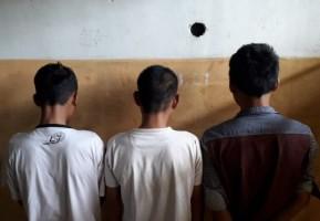 Polres Way Kanan Ringkus 3 Orang Saat Asyik Konsumsi Sabu di Rumah Kosong