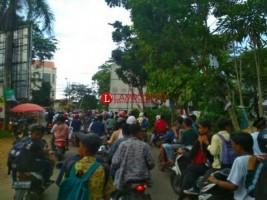 Polsek Sukarame Halau Massa Pelajar yang Sambangi SMPN 29