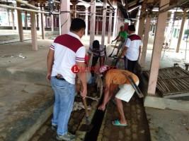 Polsek Sungkai Selatan Besama Warga Gelar Jumat Bersih