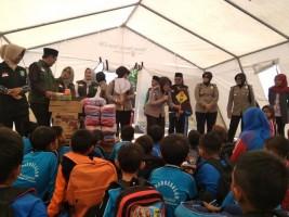 Polwan Polda Jatim dan NU Salurkan Bantuan Kemanusiaan