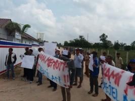 Potong Jalan Kampung, Jalan Tol Diprotes Puluhan Warga